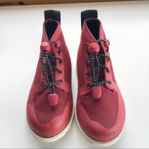 Native Fitzroy red black child's unisex shoes C8